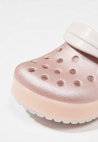 Crocs - CROCBAND ICE POP CLOG - Badesandaler - barely pink - 2