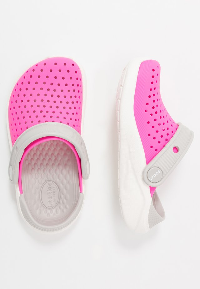 LITERIDE - Chanclas de baño - electric pink/white