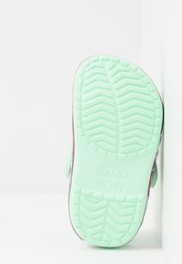 Crocs - FUNLAB UNICORN BAND - Chanclas de baño - neo mint
