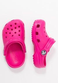 Crocs - CLASSIC - Sabots - candy pink - 0