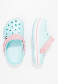 Crocs - CROCBAND RELAXED FIT - Pool slides - ice blue/white - 1