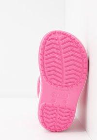 Crocs - CROCBAND RAIN BOOT - Wellies - pink lemonade/lavender - 5