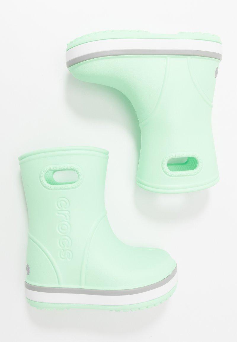 Crocs - CROCBAND RAIN BOOT - Bottes en caoutchouc - neo mint/light grey