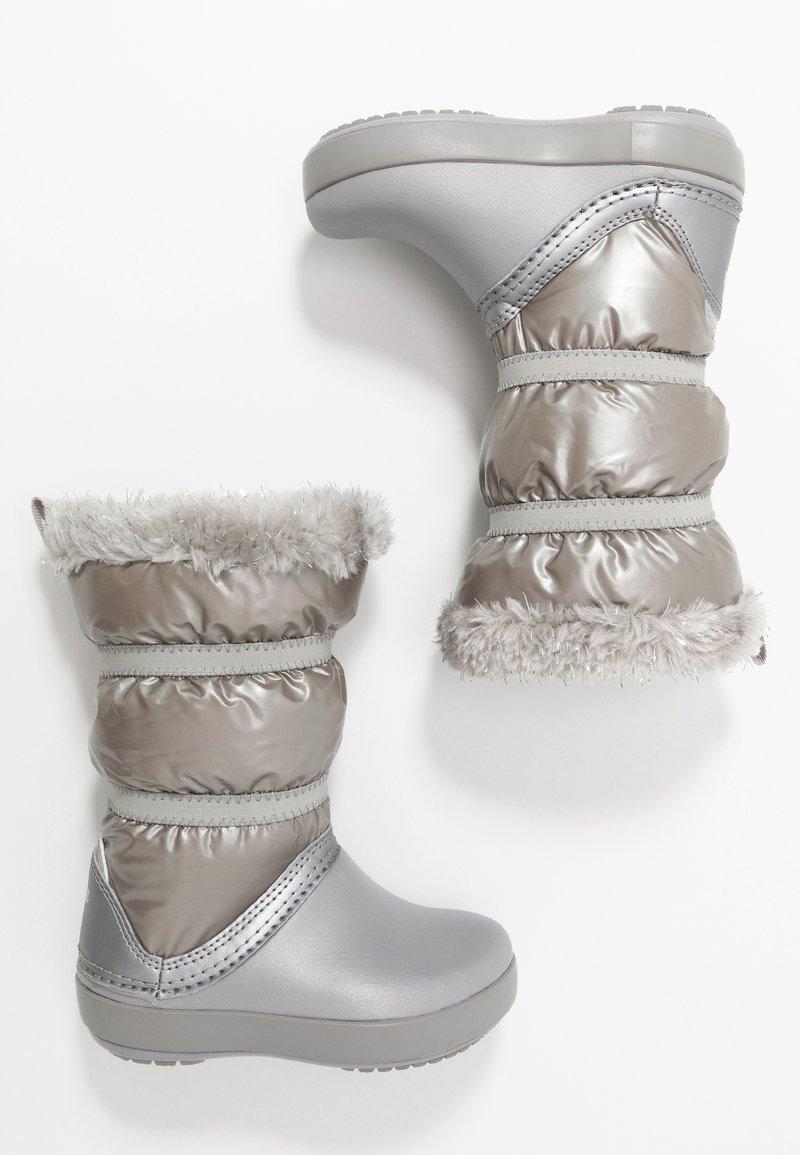 Crocs - LODGEPOINT BOOT - Śniegowce - silver metallic