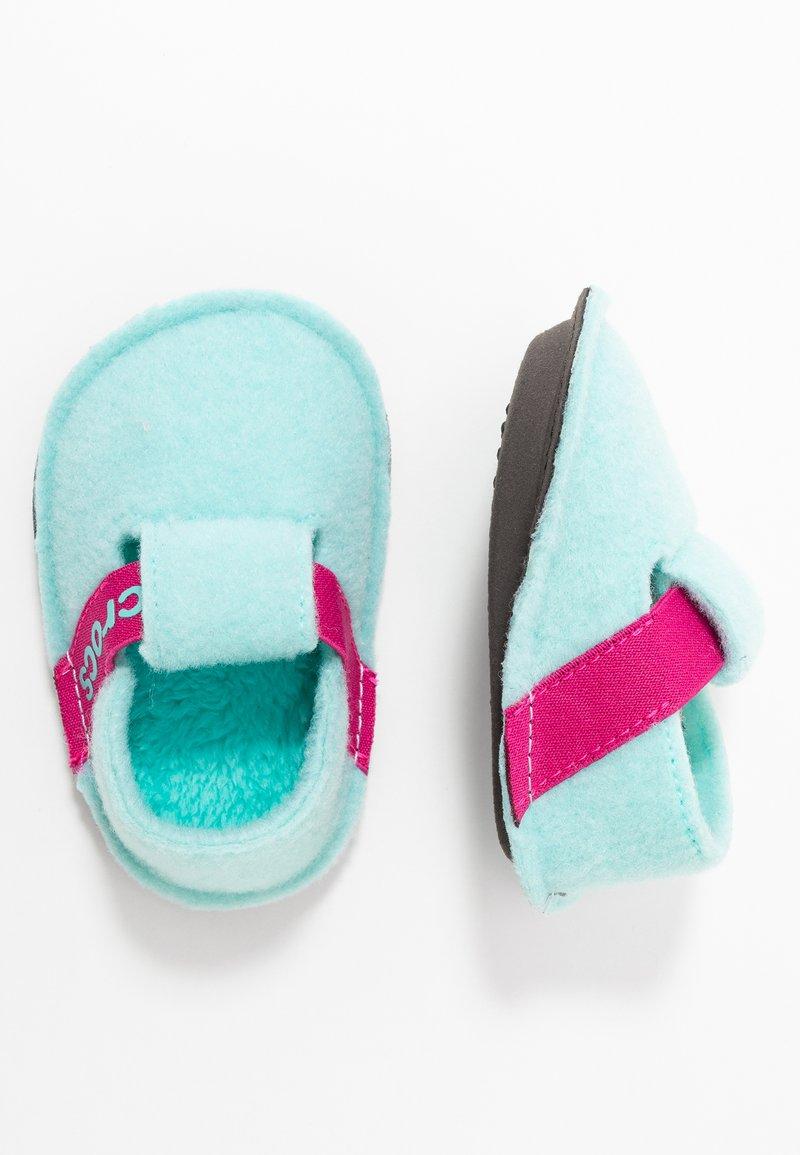 Crocs - CLASSIC - Domácí obuv - ice blue