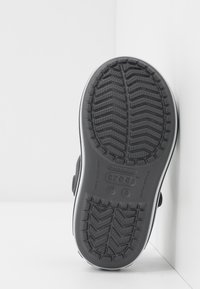 Crocs - CROCBAND KIDS - Chanclas de baño - graphite - 5
