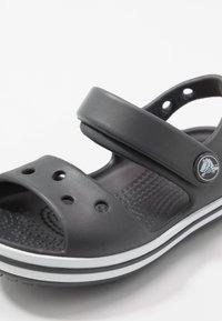 Crocs - CROCBAND KIDS - Chanclas de baño - graphite - 2