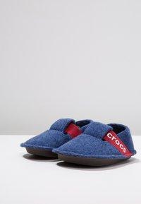 Crocs - CLASSIC - Slippers - cerulean blue - 3