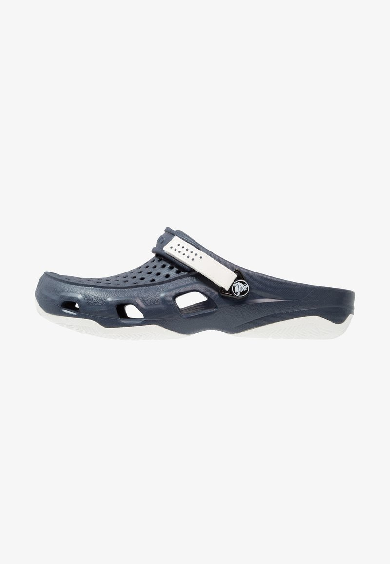 Crocs - SWIFTWATER DECK - Badslippers - navy/white