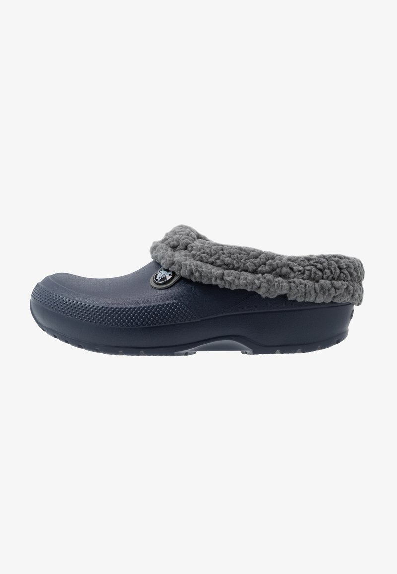 Crocs - CLASSIC BLITZEN III - Pantuflas - navy/slate grey