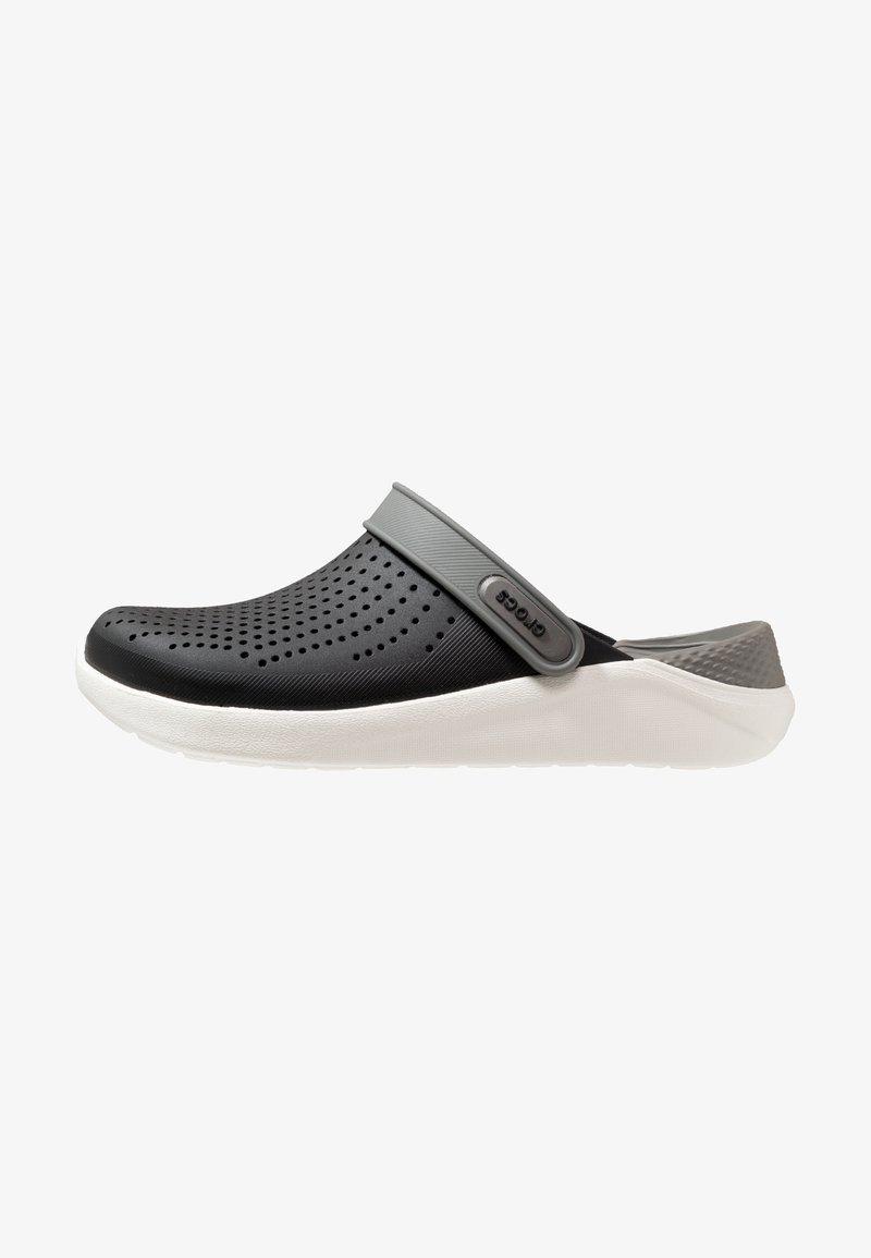 Crocs - LITERIDE RELAXED FIT - Dřeváky - black/smoke