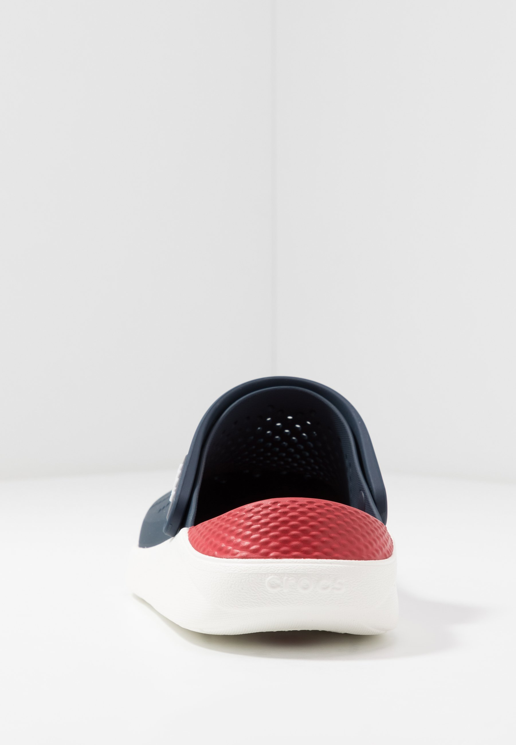 Crocs LITERIDE RELAXED FIT - Zuecos - navy/pepper