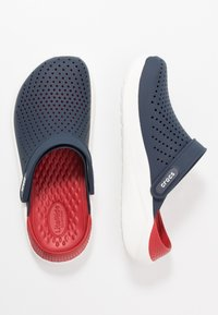 Crocs - LITERIDE RELAXED FIT - Clogs - navy/pepper - 1