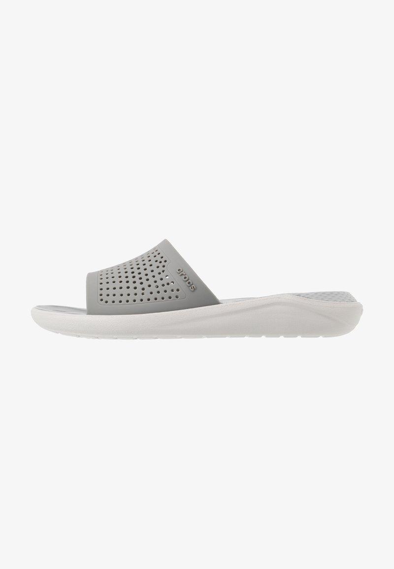 Crocs - LITERIDE SLIDE - Badslippers - smoke/pearl white