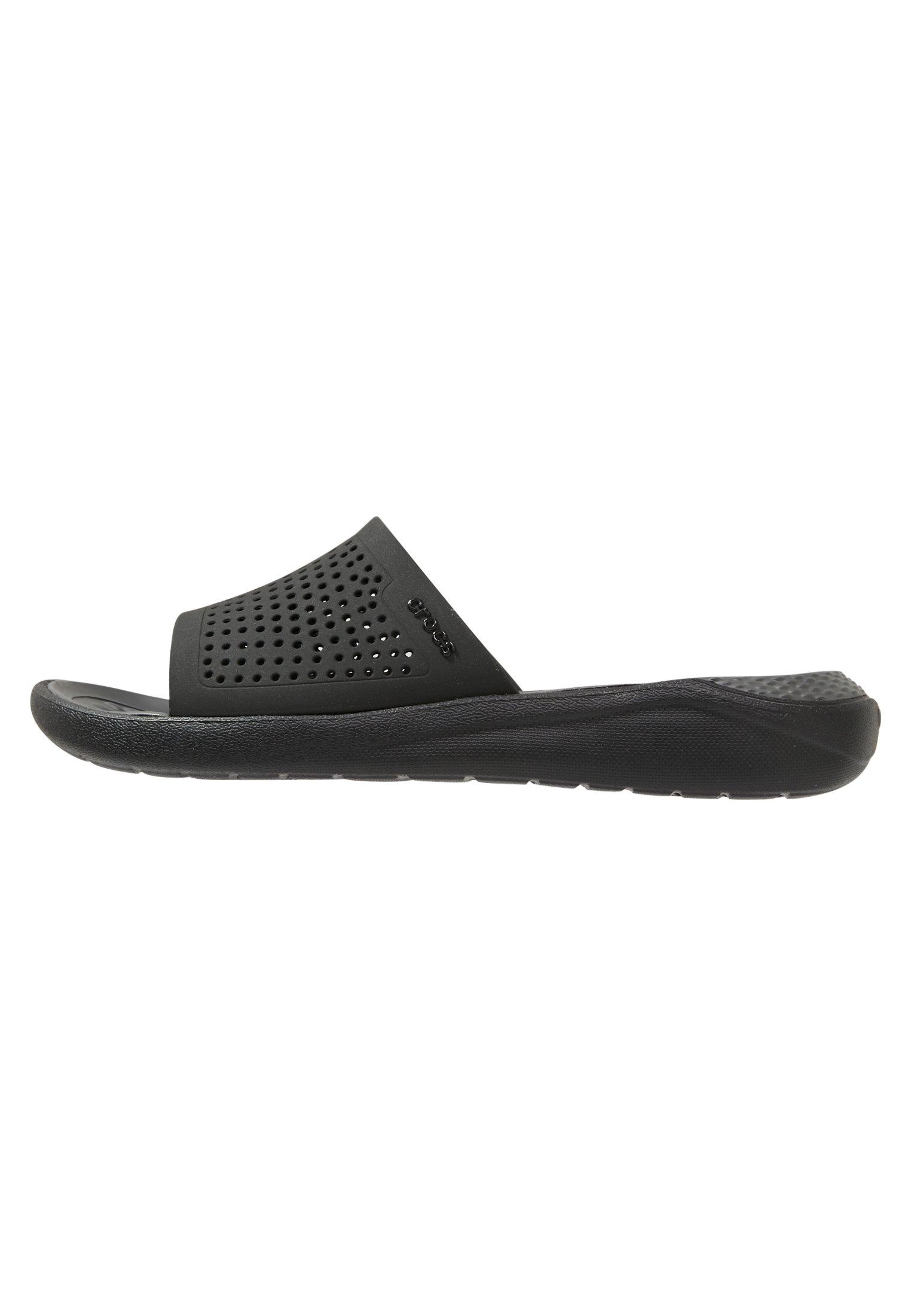 Crocs LITERIDE SLIDE - Sandały kąpielowe - black/slate