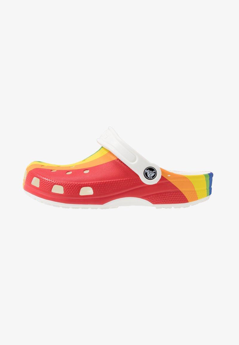 Crocs - CLASSIC RAINBOW STRIPE - Sandały kąpielowe - rainbow