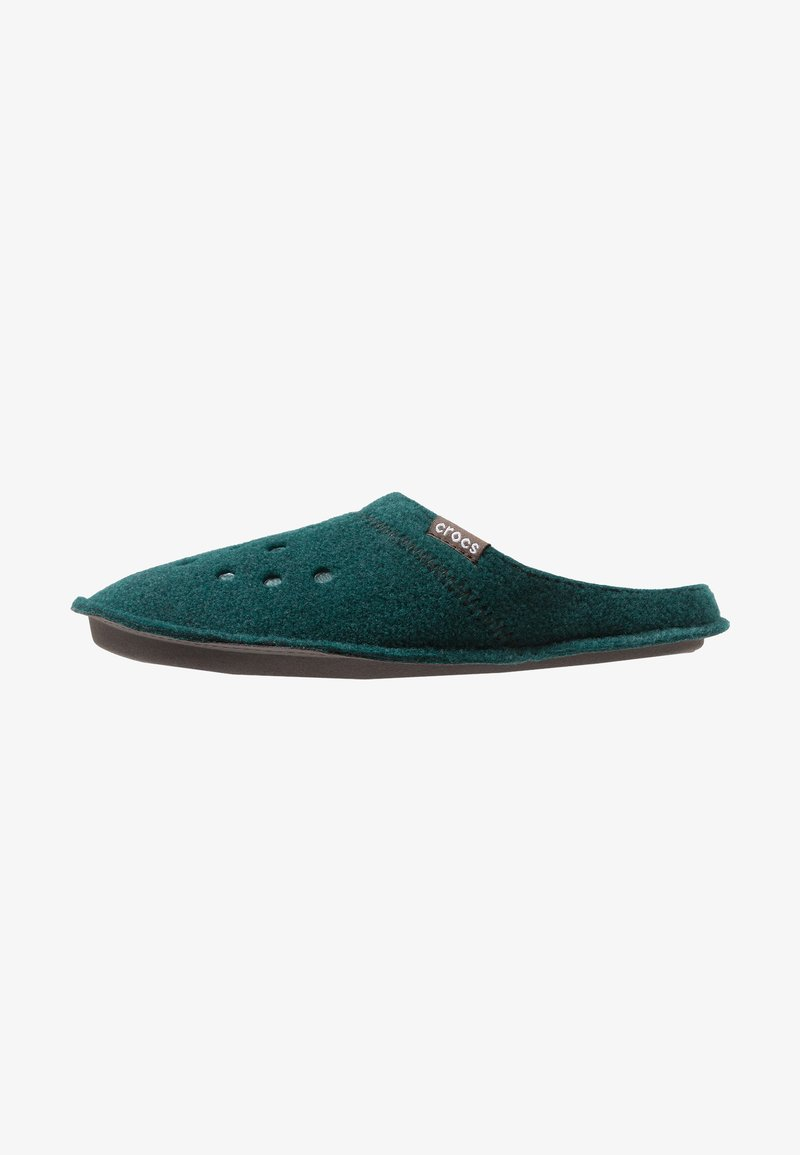 Crocs - CLASSIC - Pantuflas - evergreen/stucco
