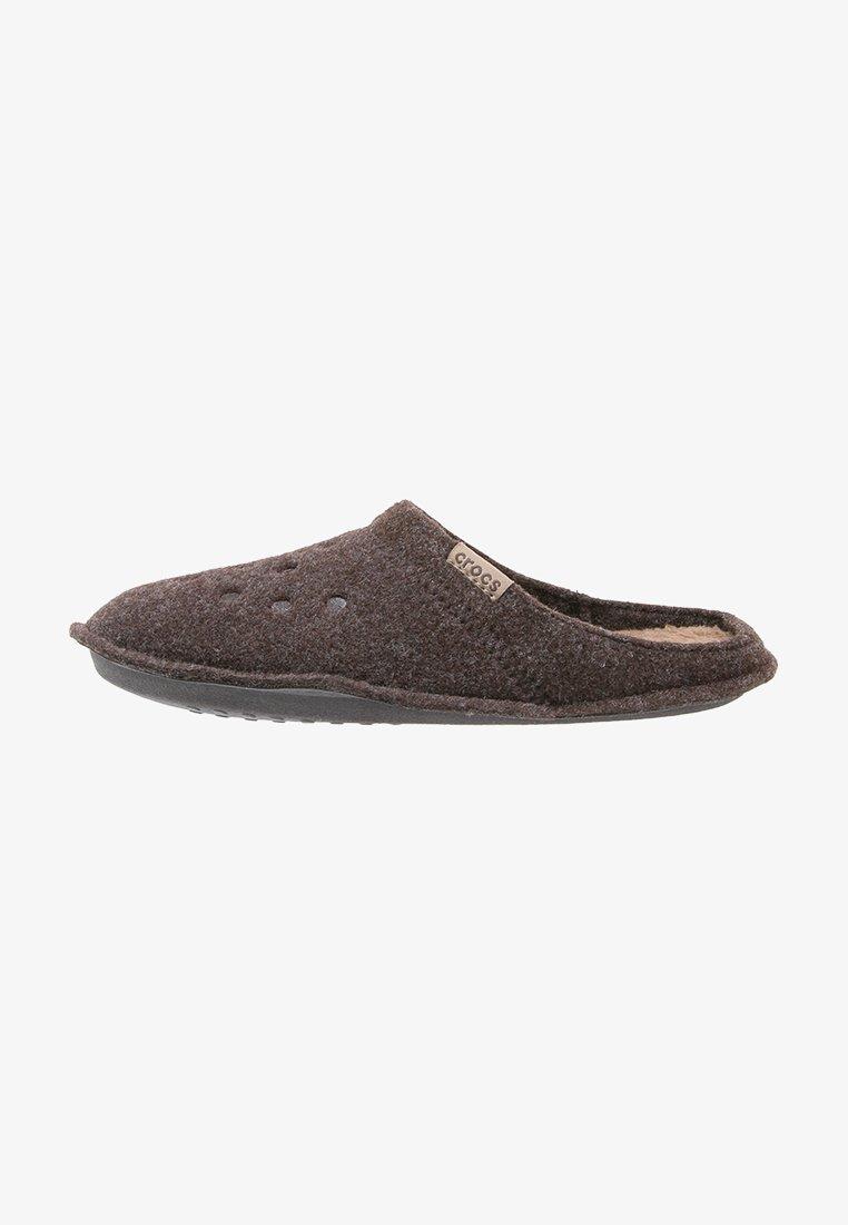 Crocs - CLASSIC - Slippers - espresso