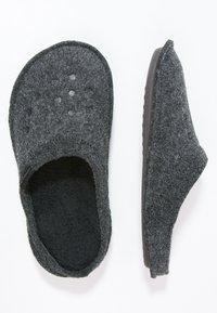 Crocs - CLASSIC - Tøfler - black - 1