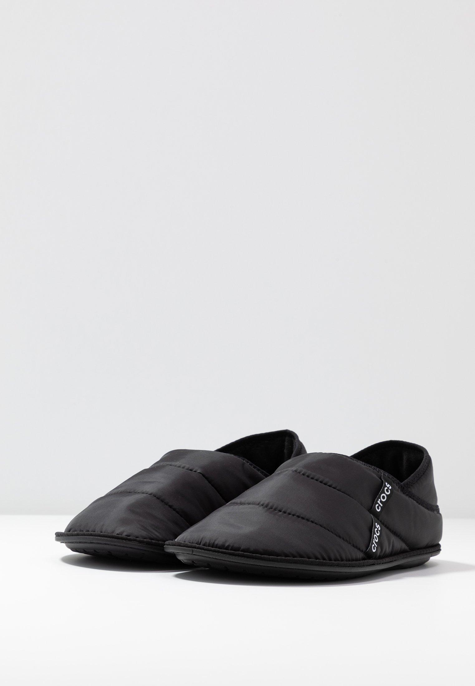 Crocs NEO PUFF SLIPPER - Hausschuh black