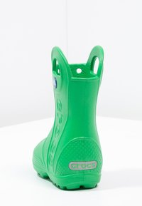 Crocs - HANDLE IT RAIN BOOT KIDS - Wellies - grass green - 3