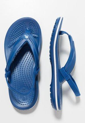 CROCBAND STRAP FLIP RELAXED FIT - Klipklappere/ klip klapper - blue jean
