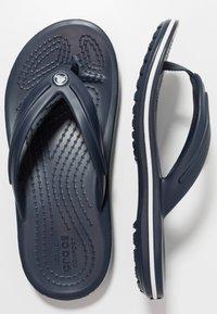Crocs - CROCBAND FLIP - Teenslippers - navy - 0