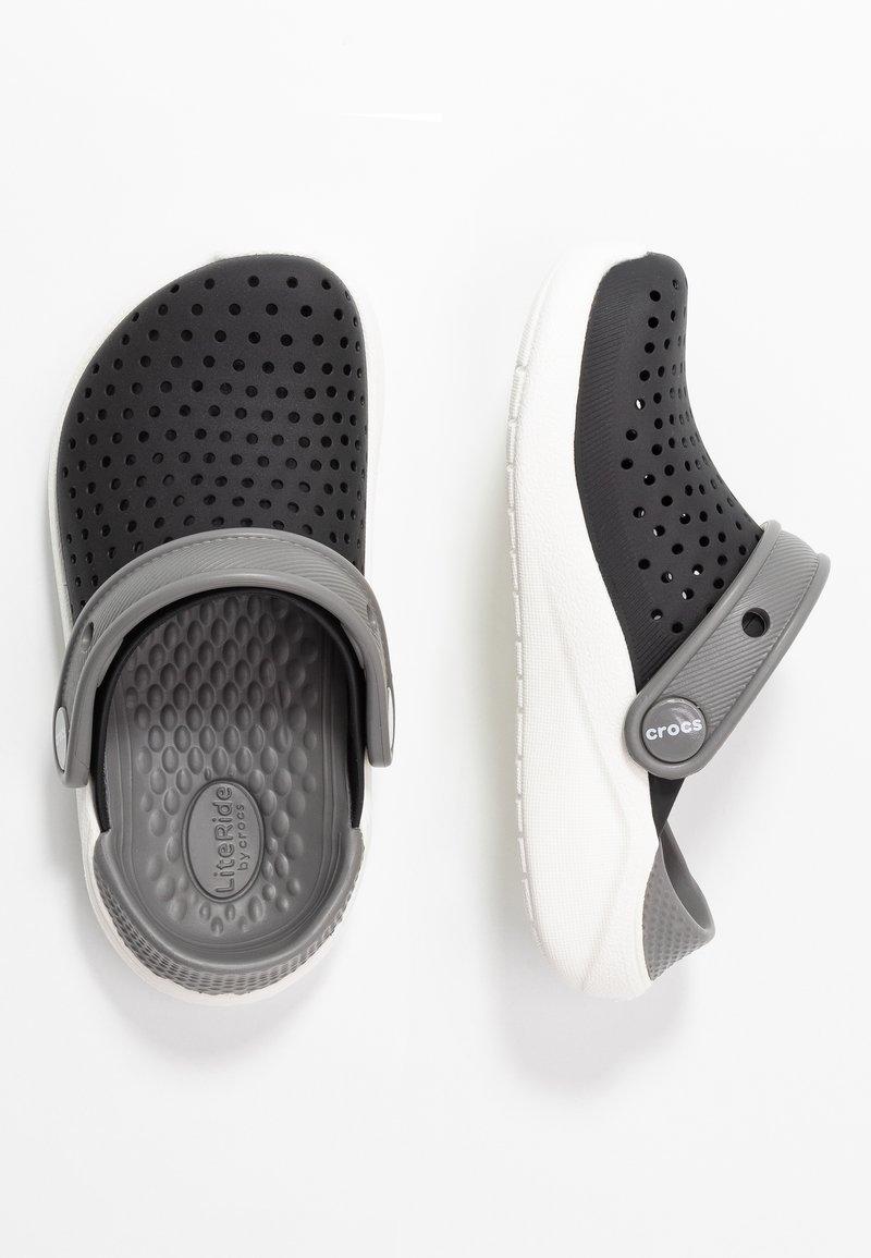Crocs - LITERIDE  - Chanclas de baño - black/white