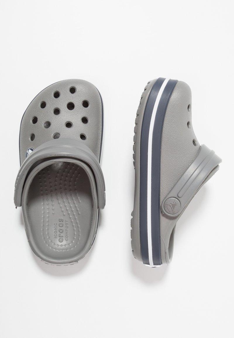 Crocs - CROCBAND - Sandały kąpielowe - smoke/navy