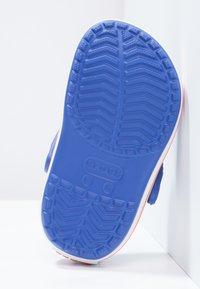 Crocs - CROCBAND - Sandały kąpielowe - cerulean blue - 4