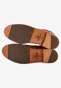 Crickit - CHELSEA BOOT JULIA MIT HERZ - Ankle boots - cognac - 5