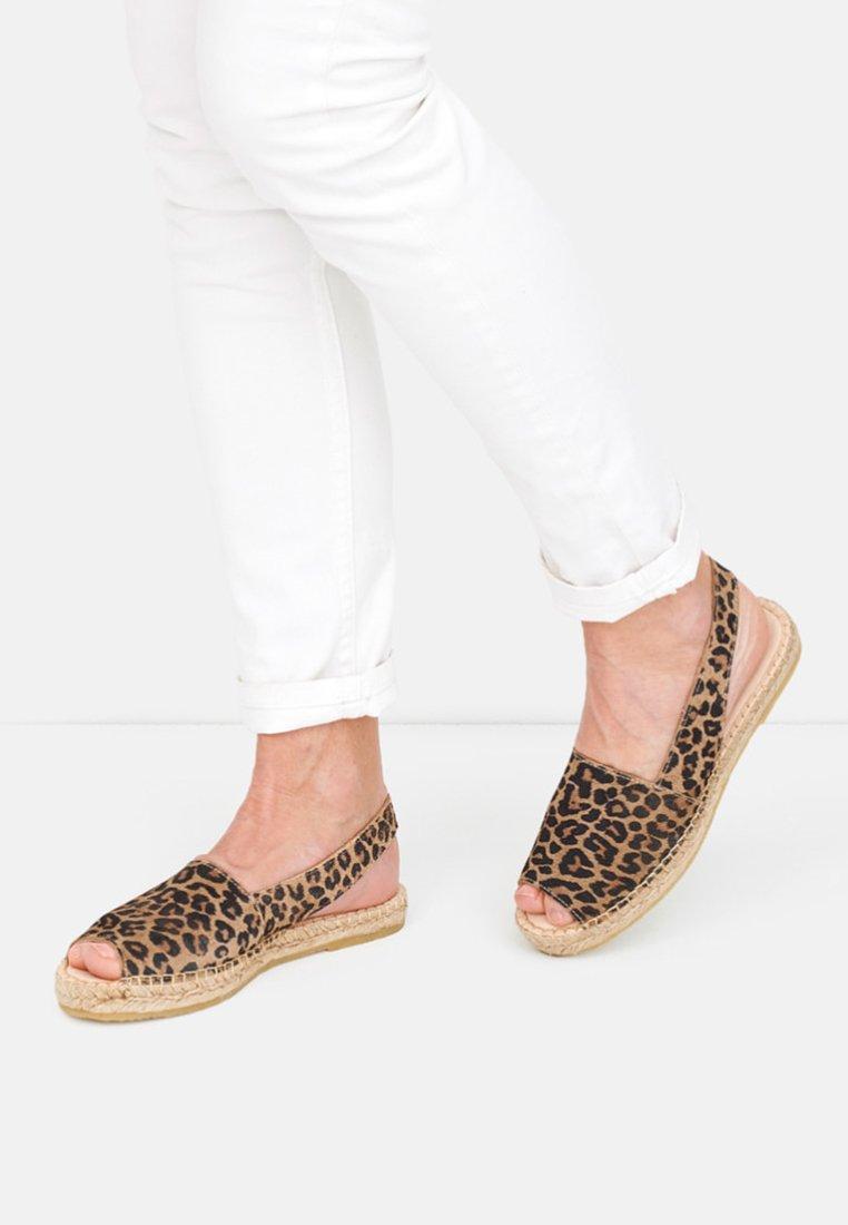 Crickit - LISA - Sandals - brown