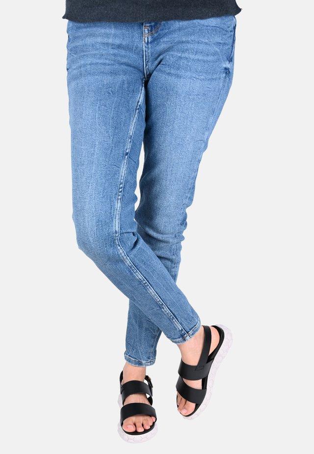 SARA - Platform sandals - schwarz