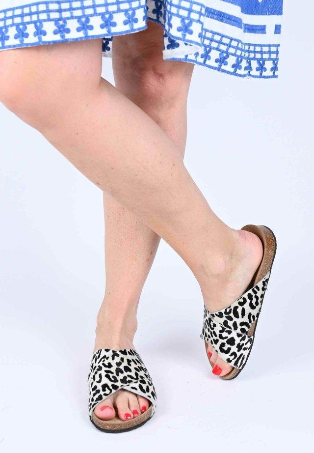 SANDALE NINA - Mules - weiß leopard