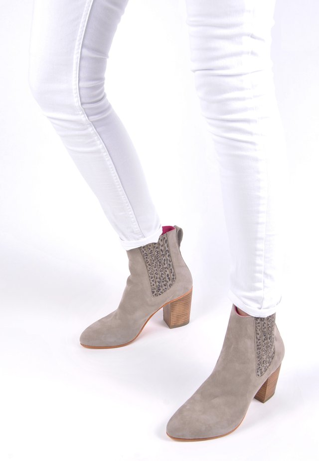 MARIE - High heeled ankle boots - taupe mit leo