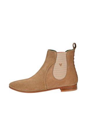 CHELSEA BOOT TILDA CHELSEA BOOT MIT STREIFEN UND HERZCHEN - Classic ankle boots - beige