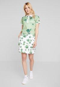 Cross Sportswear - FLOWER - Sportshirt - mineral green - 1