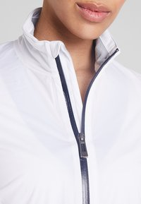 Cross Sportswear - HURRICANE JACKET - Waterproof jacket - white - 4