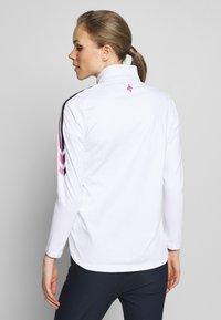 Cross Sportswear - STINGER - Fleecejacka - white - 2