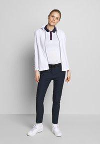 Cross Sportswear - STINGER - Fleecejacka - white - 1