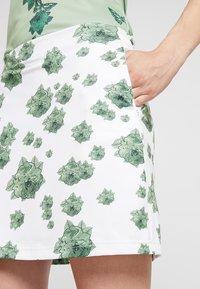 Cross Sportswear - FLOWER SKORT - Rokken - mineral green - 3