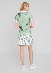 Cross Sportswear - FLOWER SKORT - Rokken - mineral green - 2