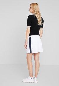 Cross Sportswear - STRIPE SKORT - Jupe de sport - white - 2