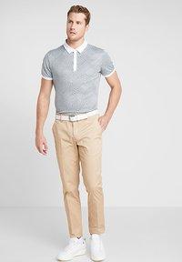 Cross Sportswear - GLENCHECK - Sportshirt - mineral green - 1
