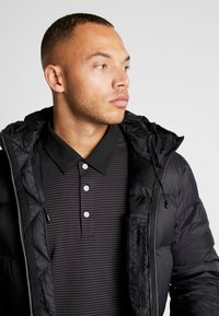 Cross Sportswear - LIGHT COAT - Dunkappa / -rock - black - 3
