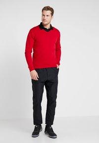 Cross Sportswear - CLASSIC V NECK - Jumper - tango red - 1