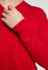 Cross Sportswear - CLASSIC V NECK - Jumper - tango red - 5
