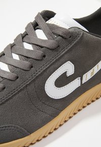 Cruyff - MEDIO CAMPO - Sneakersy niskie - dark grey - 5