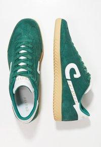 Cruyff - MEDIO CAMPO - Sneakersy niskie - bright green - 1