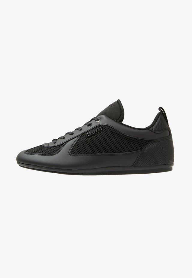 NITE CRAWLER - Sneaker low - black